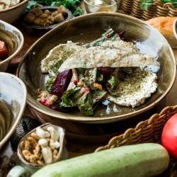 Салат с печёной свеклой и сливочным сыром